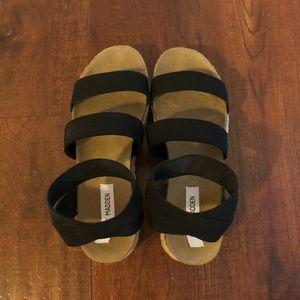 Brand new Steve Madden Kimmie sandals (size 10)